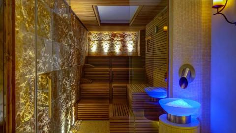 sauna-mineral-et-fontaine-de-glace-hydralis